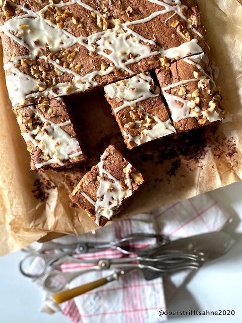 Saftiger fruchtiger Schokoladenkuchen