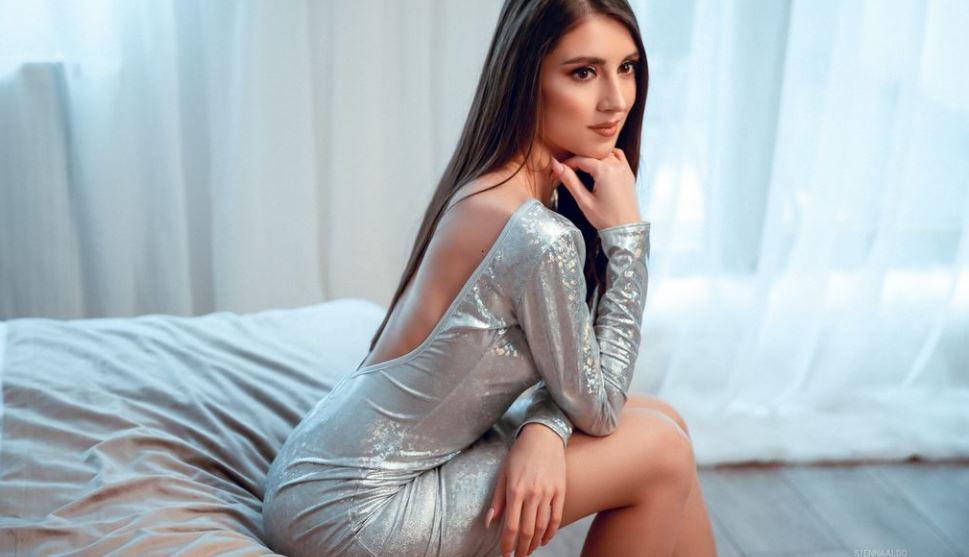https://www.glamourcams.live/chat/SiennaAldo