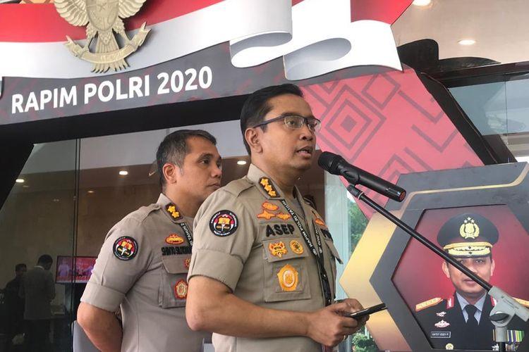 Patroli di Medsos, Polisi Kejar Penyebar Hoaks soal Corona