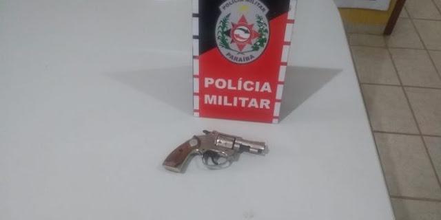 Adolescente é apreendido com um revólver em frente a uma escola em Catolé do Rocha