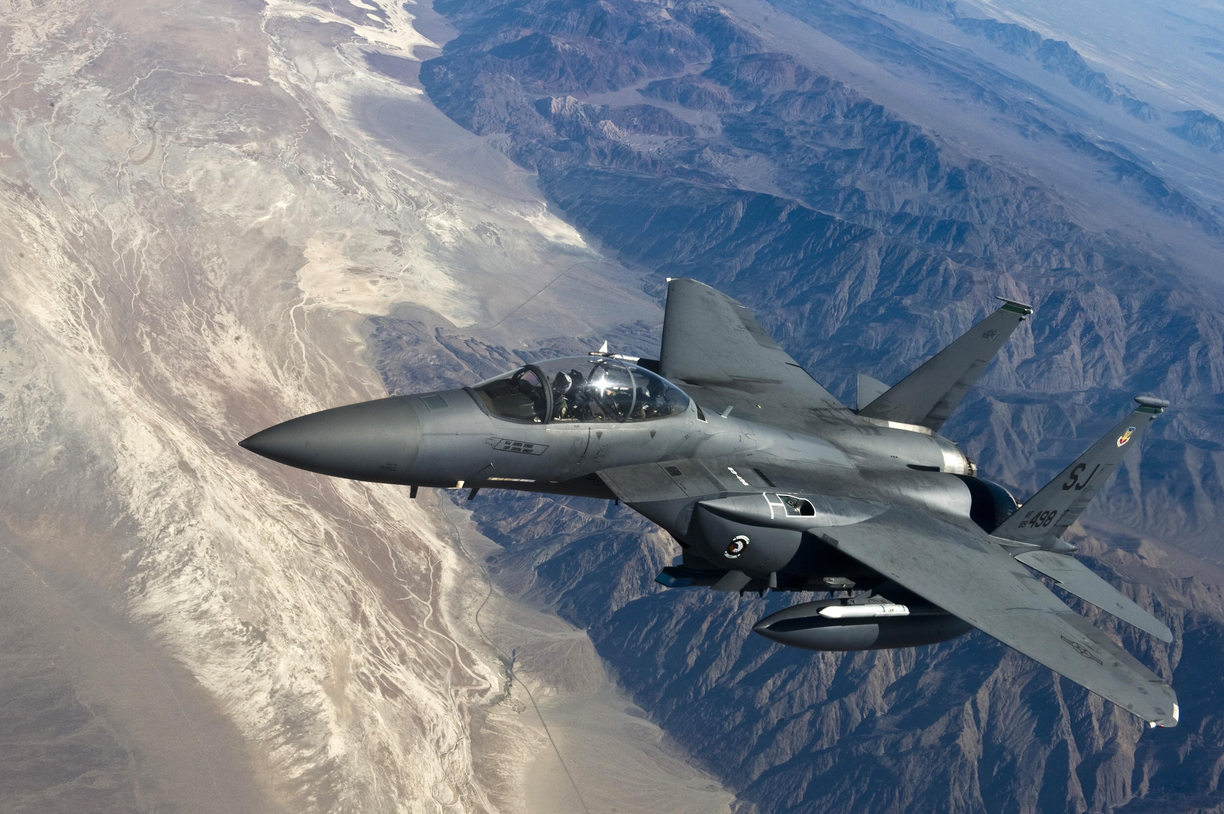 Military-Fighter-jet-4K-Wallpaper