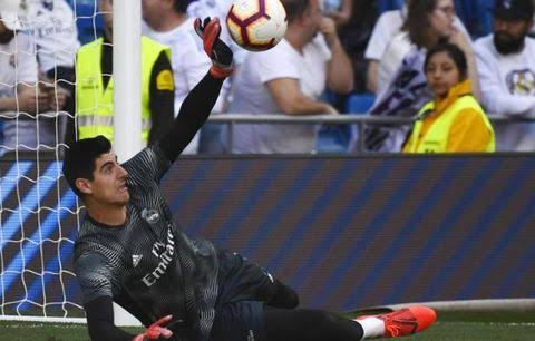 Golden Hand of Thibaut Courtois 3 times to save Real Madrid