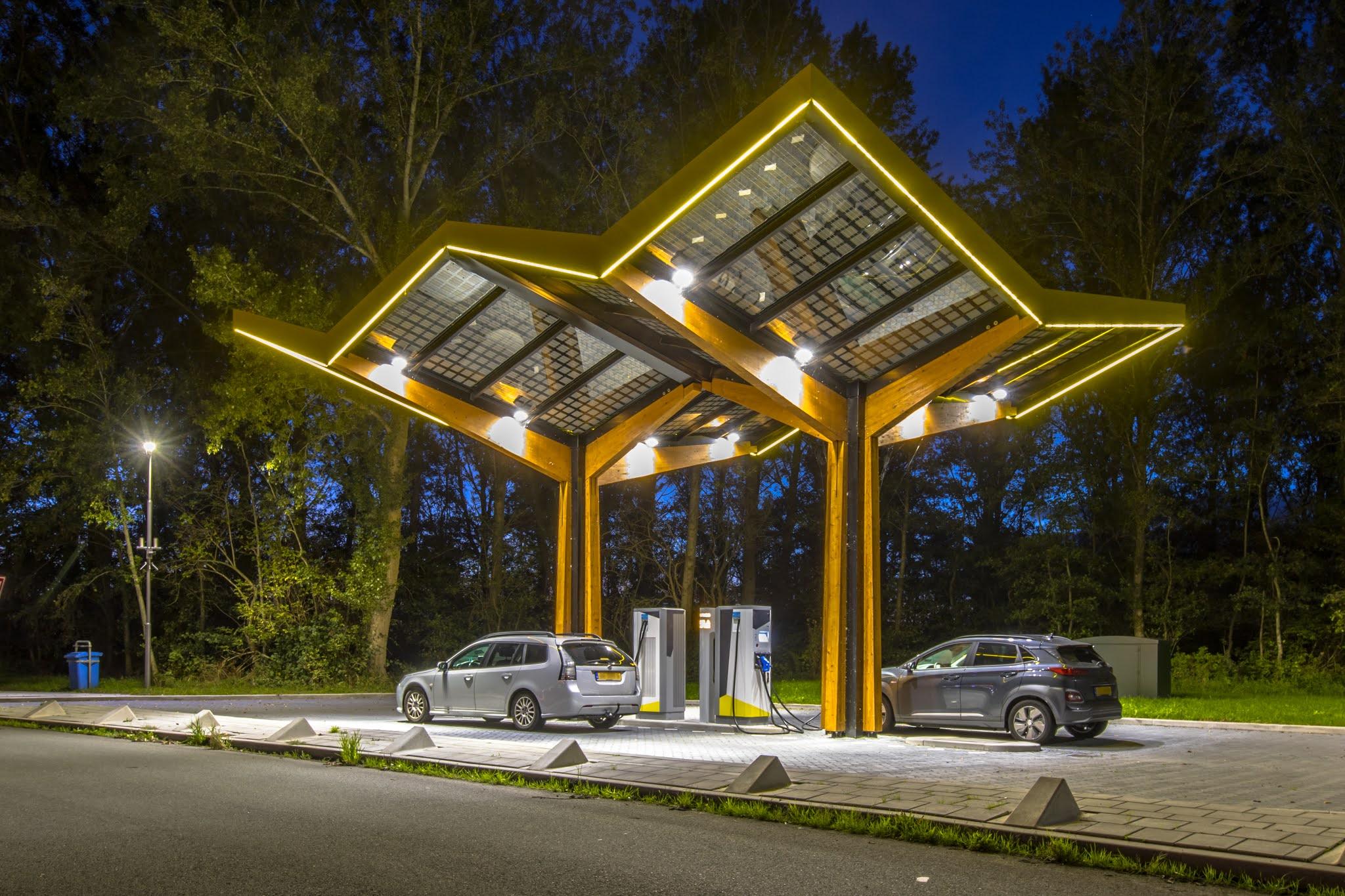 السيسي يتابع استراتيجية توطين صناعة المركبات الكهربائية