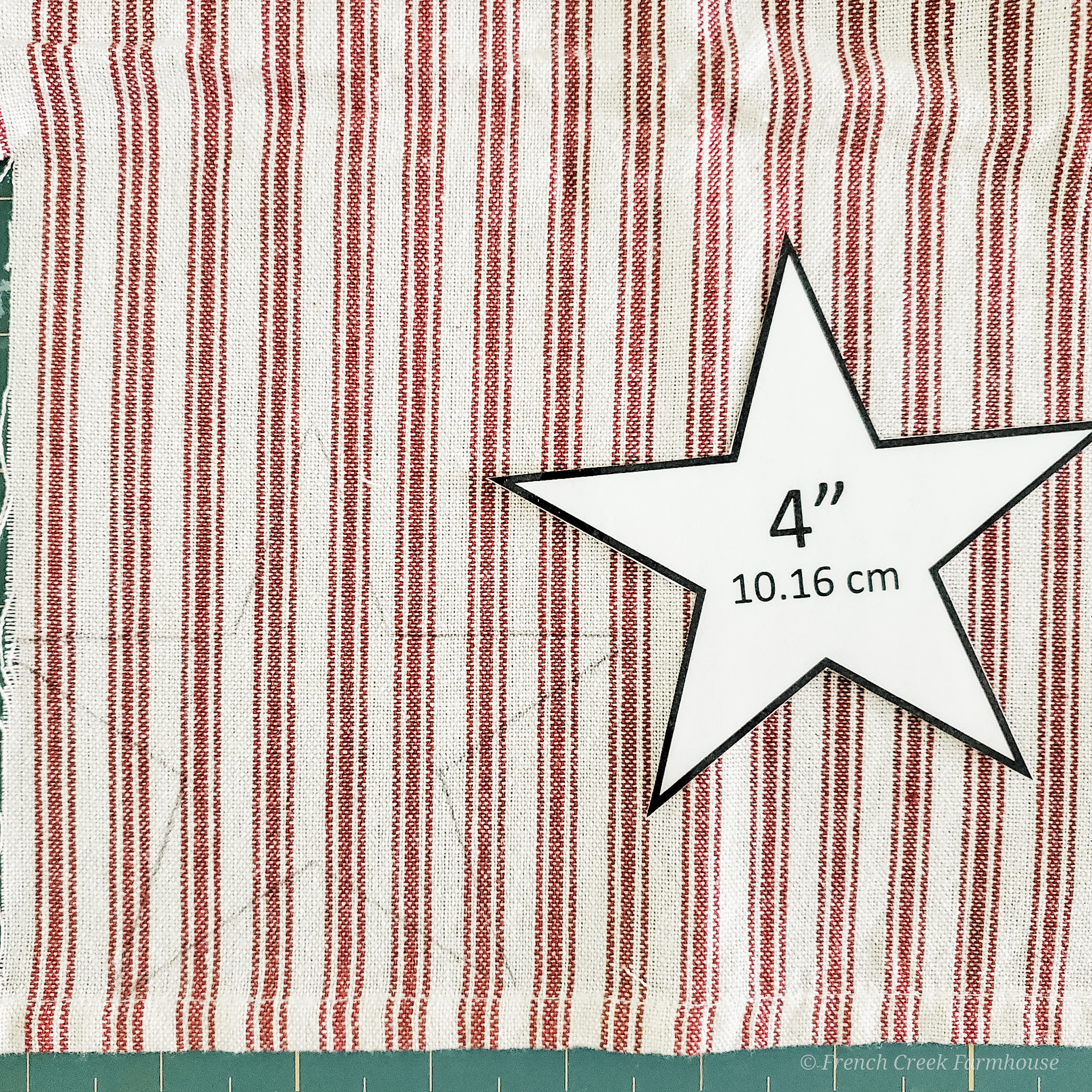 The free printable pattern includes templates for four sizes of stars