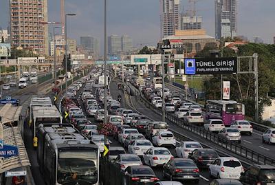 Traffic of İstanbul (Essay)