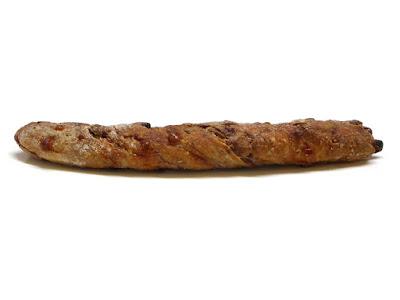 クルミとパストラミのパン・コンプレ | Le Petit Mec(ル・プチメック)