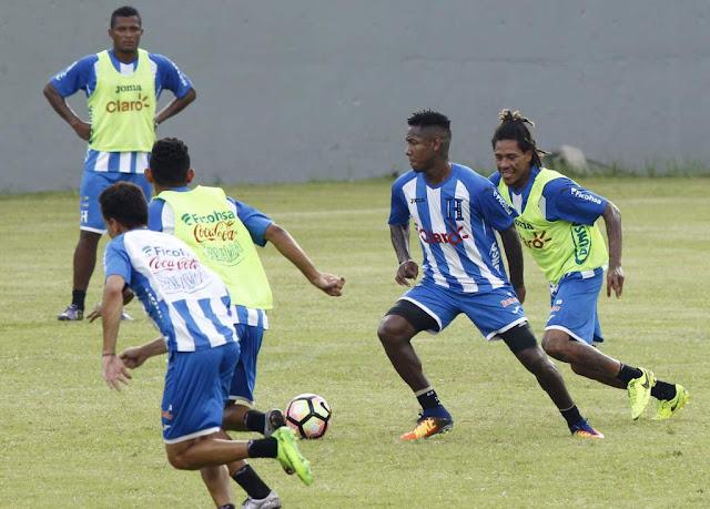 la selección de Honduras entrenando para la Copa de Oro 2017