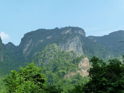Kalksteinhügel Huppatat Uthai Thani