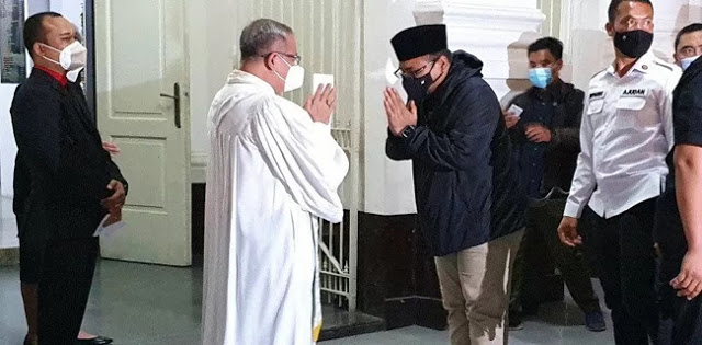 Sambangi Gereja Blenduk Semarang, Gus Yaqut: Saya Menteri Agama Untuk Semua Agama