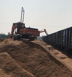 रेत बदलेगी जिले की तकदीर, पहली बार हुआ रेल से रेत परिवहन, युवाओं को भी मिल रहा रोजगार