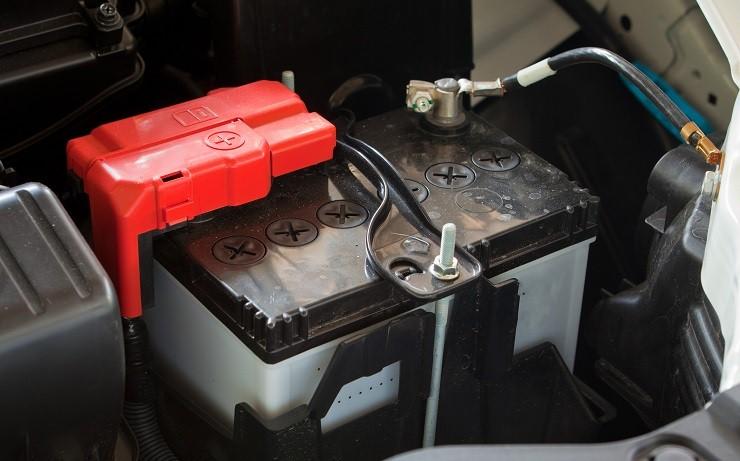 Ξάνθη: Τον έπιασαν να κλέβει… μπαταρία από ΙΧ αυτοκίνητο
