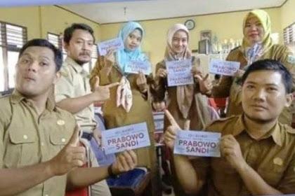Berpose 2 Jari, 6 Guru Dipecat Sekarang Diperiksa Bawaslu Banten