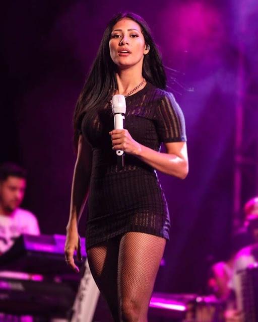 Fã de Simaria é preso após planejar atentado contra a cantora em show
