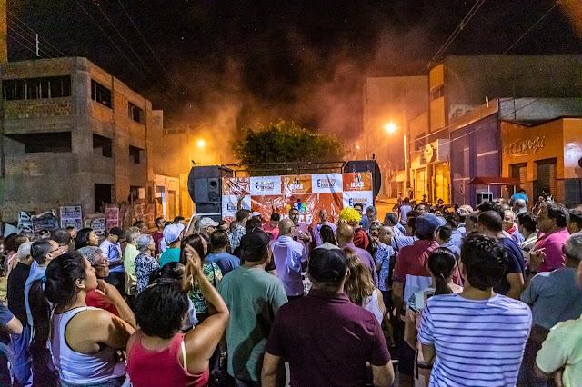 Asfalto da Dr. Ângelo Dourado é inaugurado e prefeito Elmo Vaz autoriza pavimentação de mais ruas