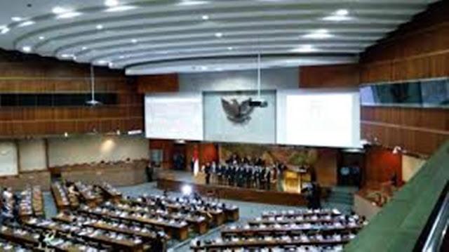 Rapat Sidang Paripurna DPR Setujui Sembilan Anggota Komisioner KPI