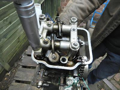 Honda CBR 125 R Cylinder head barrel and piston  top end strip down