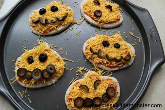 Mini pumpkin pizza activity for kids
