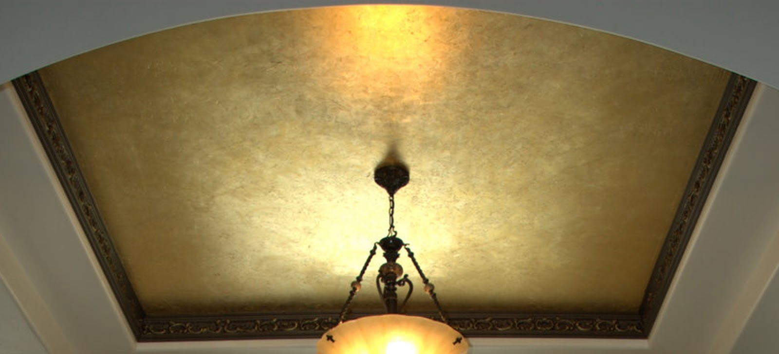 Eye For Design: Decorating With Metallic Gold........Especially At ...