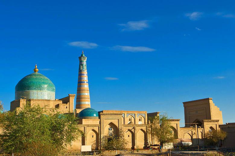Pakhlavan Mahmud Mausoleum