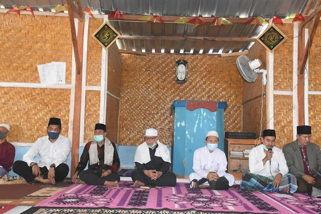 Bupati Dan Wabup Safari Jum'at, Program Memaraq Di Masjid Al Faruq Bayan Timur