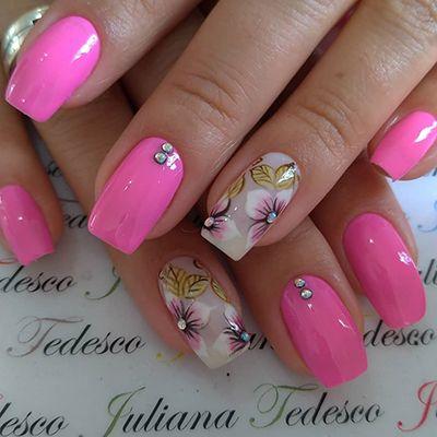 decoração de unhas em rosa