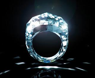 Nhẫn kim cương to