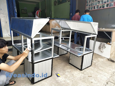 Gerobak Aluminium untuk Dimotor Jualan Nasi pesanan Ibu Dewinta di Tebet Jakarta