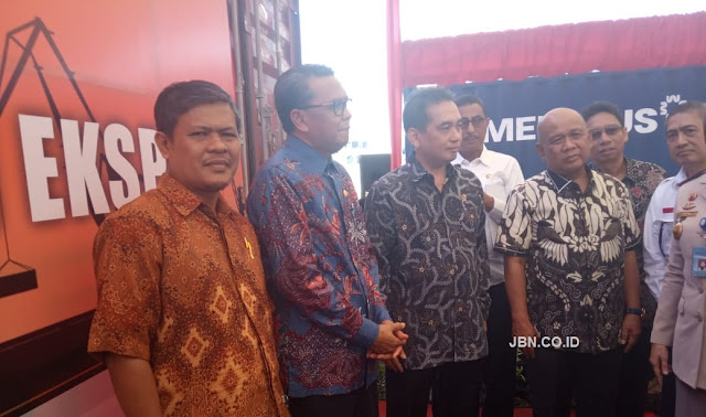 PT Jas Mulia Luwu Utara Hadiri Pelepasan Ekspor Direct Call Makassar-Asia