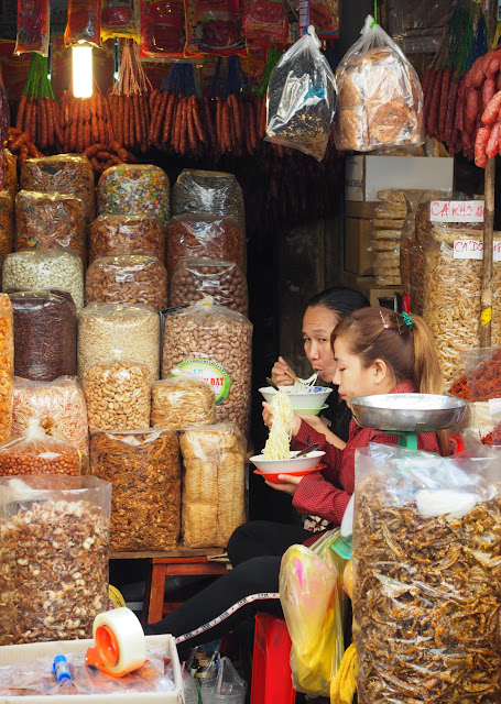 Saigon, ho chi minh city, tips saigon, croisie europe, waar eten in saigon, koffiecultuur vietnam, tips ho chi minh city, vietnam, restaurants ho chi minh city, koffiebars ho chi minh city, markten saigon, hoppen in saigon, architectuur saigon, franse koloniale architectuur ho chi minh city, tempels en pagodes in ho chi minh city