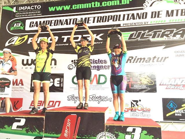 Atletas da Ilha Comprida em destaque no mountain bike