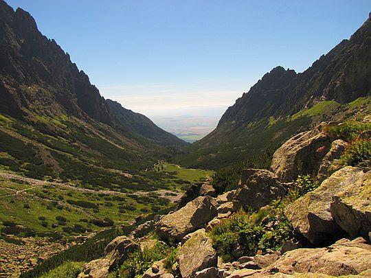 Dolina Małej Zimnej Wody z piargów Żółtej Ściany.