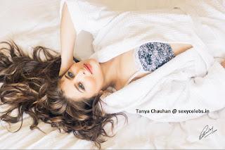 Taanya Chauhan in Bikini Indian Model (14).jpg