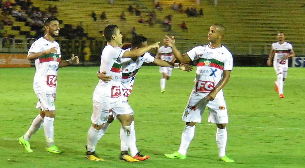 d0c16f3d10a07 Taça Rio - Superior em campo