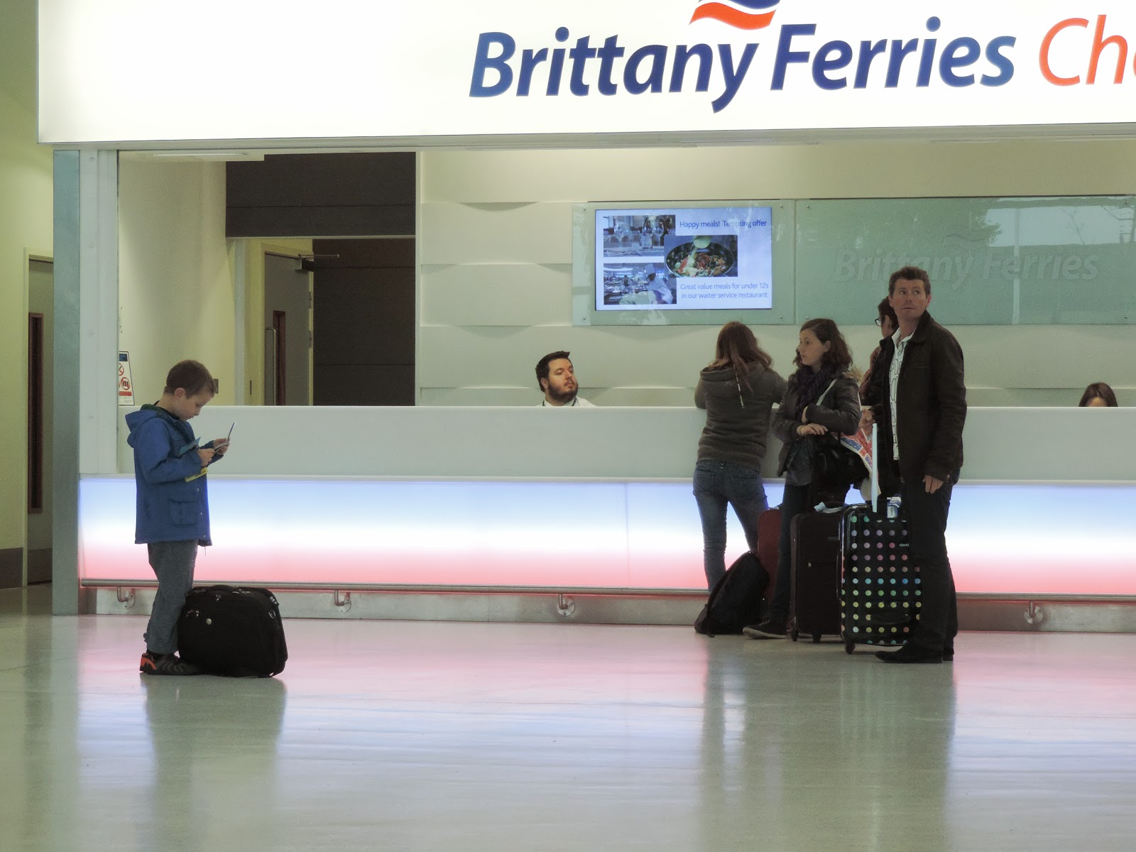 brittany ferries terminal desk portsmouth international ferry port