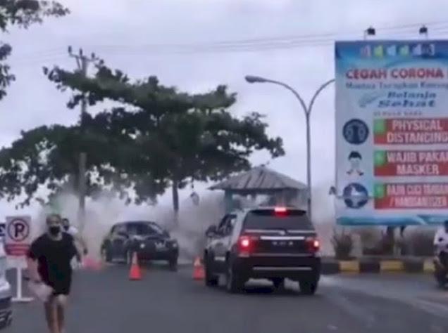 Viral Video Ombak Besar di Manado, Pusat Perbelanjaan Tergenang Air Laut