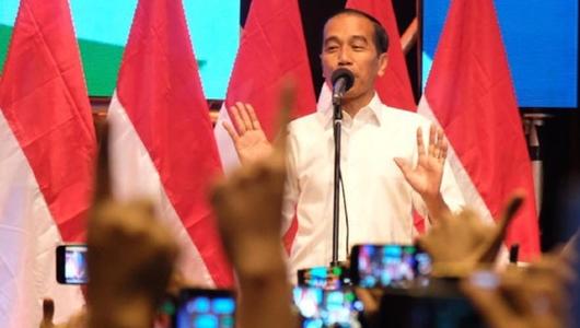 Jokowi ke Alumni Pangudi Luhur: Kok yang Didukung Saya?