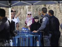 Polisi Israel Periksa Acak Pengunjung al-Aqsa secara Manual