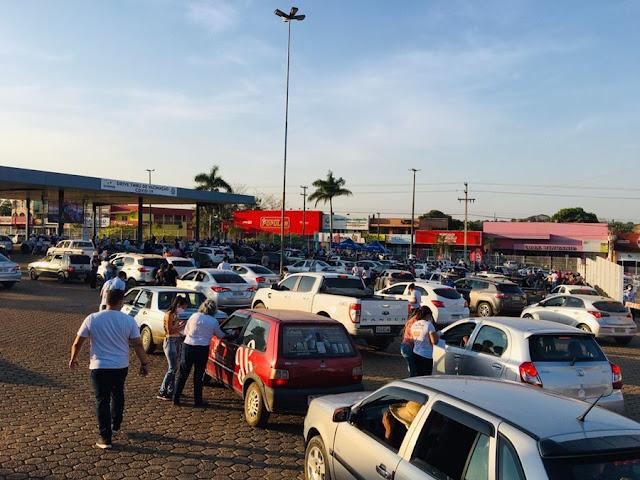 Drive-thru de vacinação contra a Covid em Ji-Paraná, RO