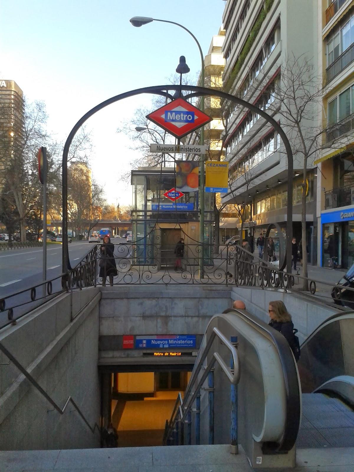 Boca de metro Nuevos Ministerios