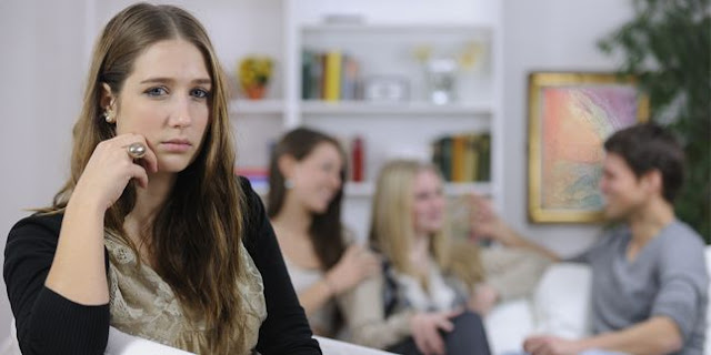 6 Hal ini Membuat Istri Tidak Nyaman Terhadap Teman Wanita Anda. Parahnya Anda Tidak Sadari itu