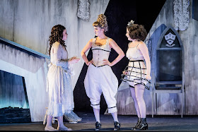 Rossini: La cenerentola - Sian Griffiths, Holly Brown, Natalie Davies - British Youth Opera (Photo Robert Workman)