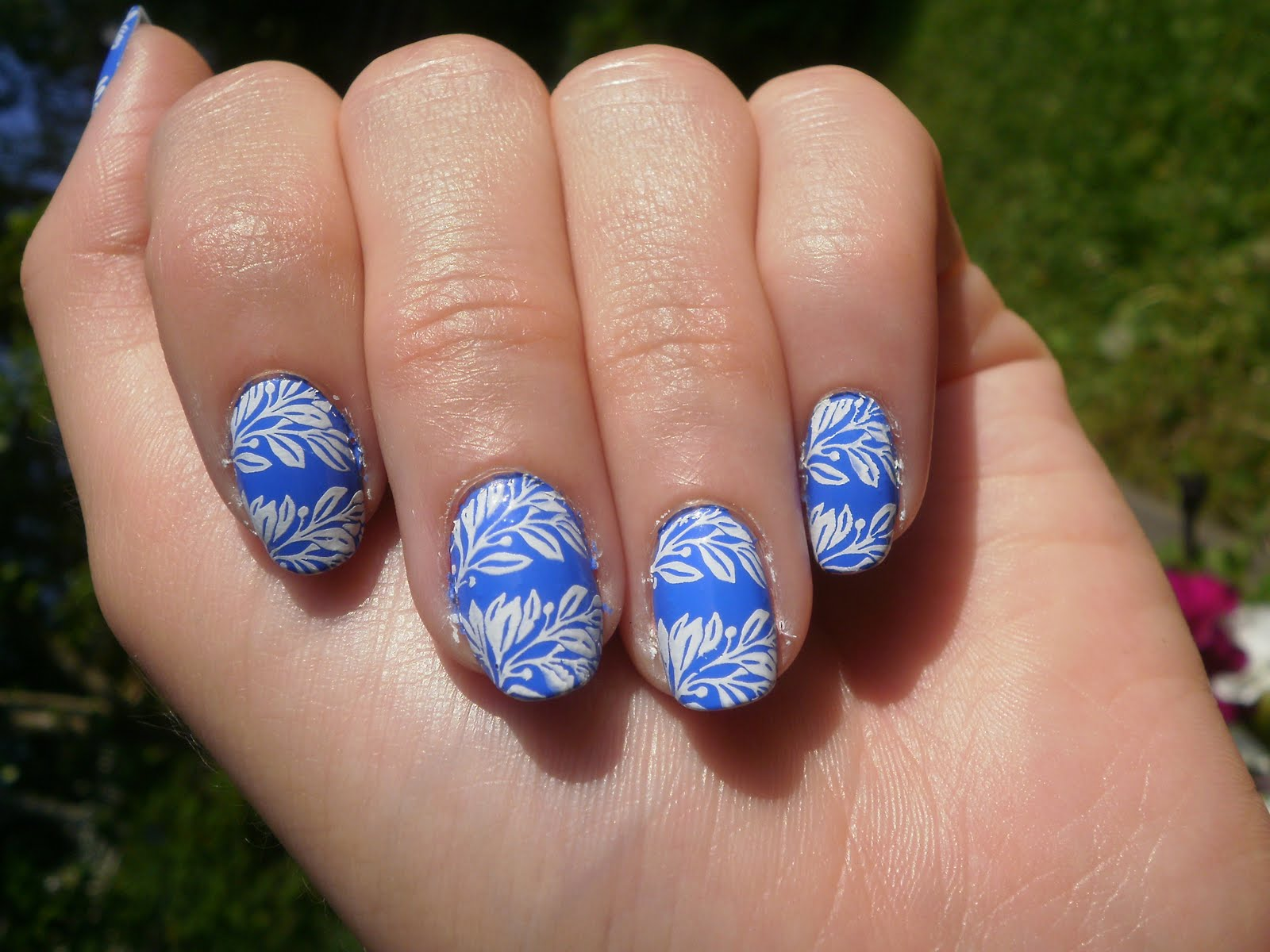 Crazy About Nails: Blue and white stamping nail art