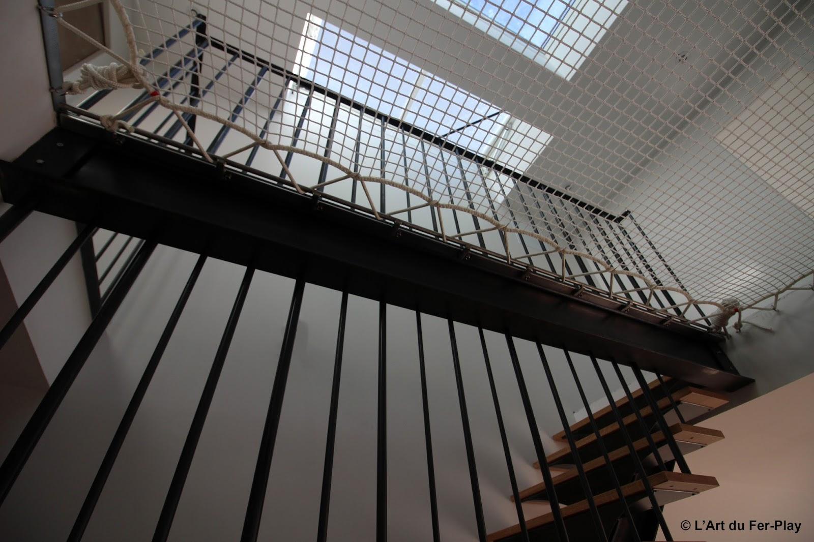 filet escalier filet de securite escalier garde corps cables et filet partie basse barriere de. Black Bedroom Furniture Sets. Home Design Ideas
