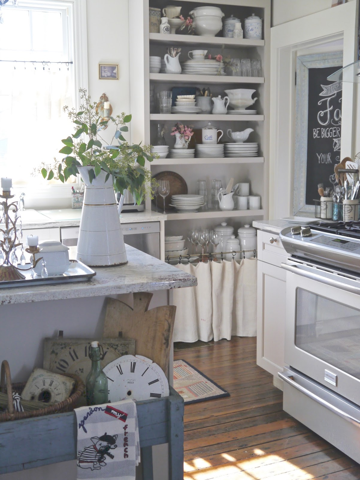 Chateau chic beautiful home tour postcards from the ridge - Cocinas estilo shabby chic ...