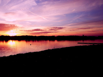 Caldecotte Lake Milton Keynes At Sunset