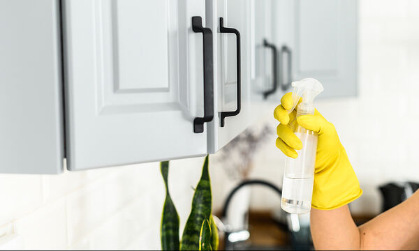 22 κόλπα καθαρισμού με υλικά που έχετε σπίτι σας
