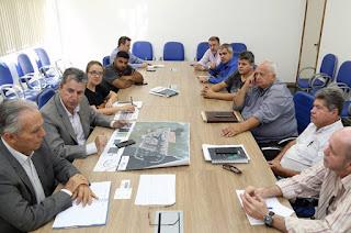 http://vnoticia.com.br/noticia/1854-representantes-do-porto-central-visitam-sfi-e-apresentam-termo-de-cooperacao-tecnica