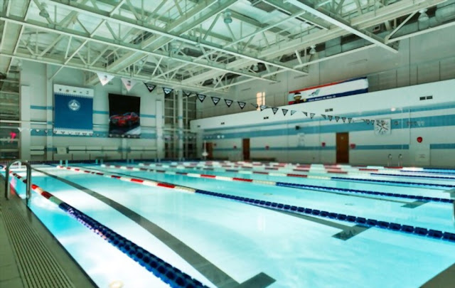 Transform The Pool Area With Glowing Wall Mounted Pool Lights