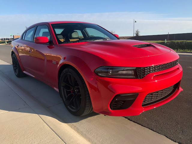 Front 3/4 view of 2020 Dodge Charger R/T Scat Pack Plus