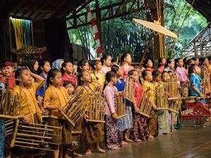 Sejarah & Jenis Angklung Alat Musik Khas Tatar Sunda